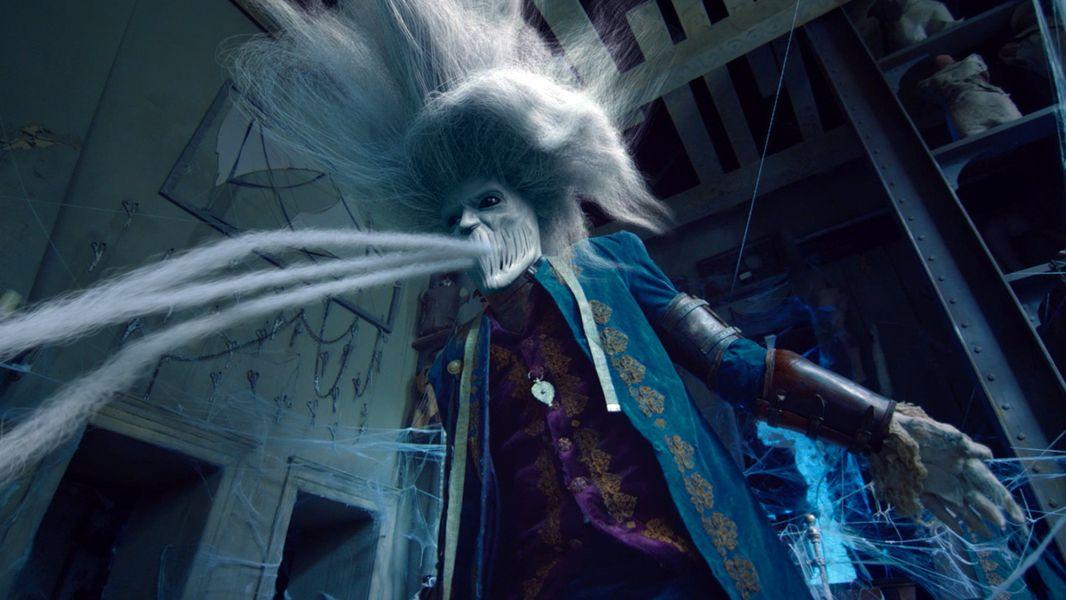 Hinter Der Tür : hinter der blauen t r ~ Watch28wear.com Haus und Dekorationen