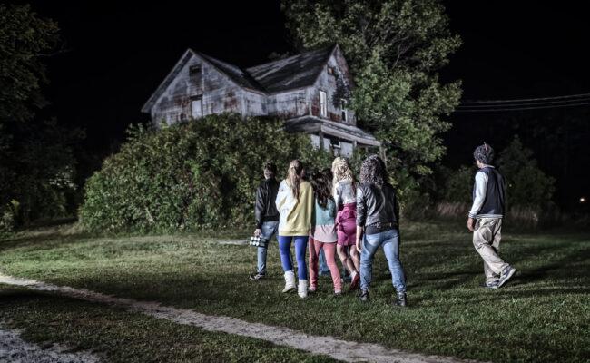 Kids Walking to House2